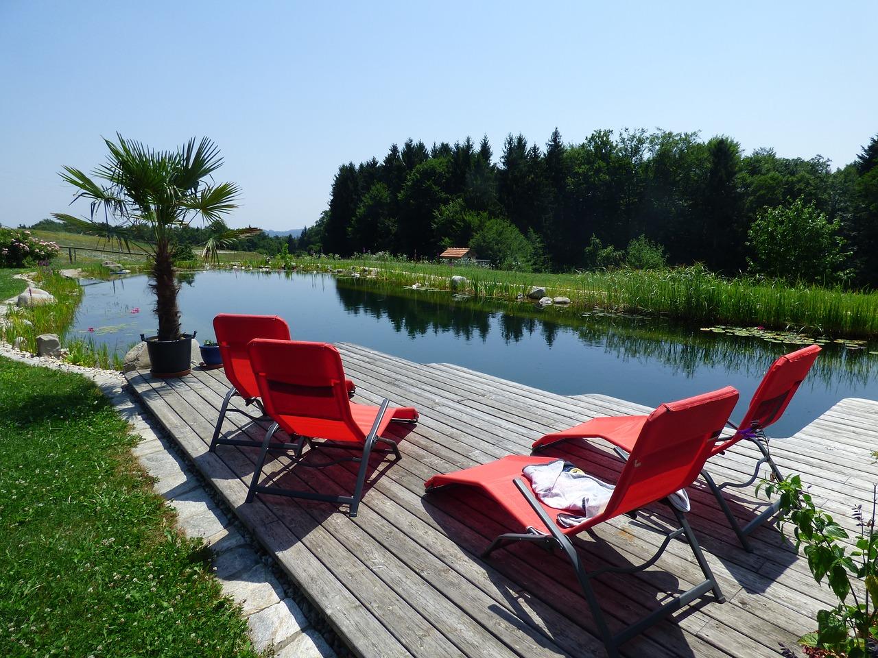 Gartenmöbel als Sitzgelegenheit